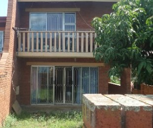 R 1,200,000 - 3 Bed Property For Sale in Hippo Road