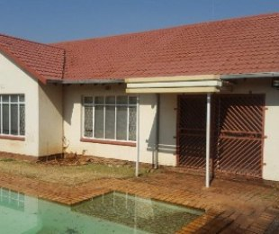 R 1,260,000 - 3 Bed House For Sale in Primrose