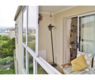 R 1,395,000 - 3 Bed Flat For Sale in Muizenberg