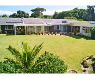 R 6,900,000 - 3 Bed Home For Sale in Constantia