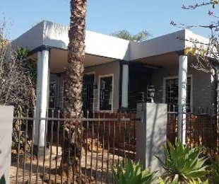 R 2,365,000 - 5 Bed Property For Sale in Colbyn