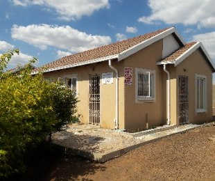 R 680,000 - 3 Bed Property For Sale in Rosslyn