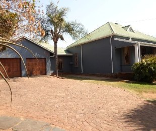R 2,450,000 - 5 Bed Property For Sale in Riviera
