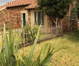 R 6,000 - 2 Bed Property To Rent in Allens Nek