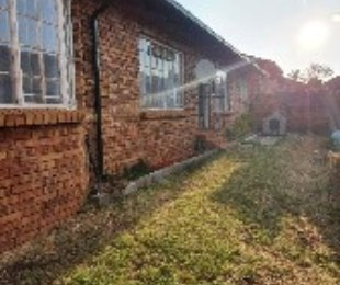 R 8,500 - 3 Bed Property To Rent in Hennopspark