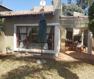 R 2,600,000 - 3 Bed Home For Sale in Bedfordview