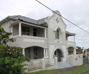 R 4,100,000 - 8 Bed Property For Sale in Quigney