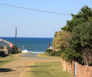 R 595,000 -  Plot For Sale in Kidds Beach