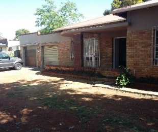 R 1,140,000 - 3 Bed Property For Sale in Primrose Hill