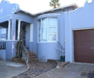 R 1,200,000 - 4 Bed Home For Sale in Highgate