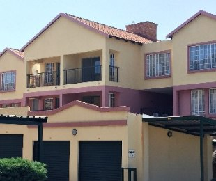 R 695,000 - 2 Bed Property For Sale in Marlands