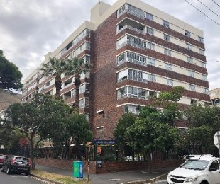 R 2,699,900 - 2 Bed Flat For Sale in Sea Point