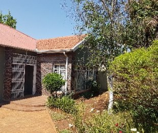 R 1,300,000 - 3 Bed House For Sale in Observatory