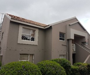 R 880,000 - 2 Bed Property For Sale in Kensington