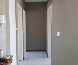R 5,000 - 2 Bed Flat To Rent in Lyndhurst