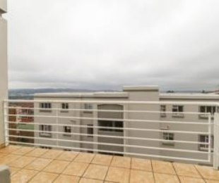 R 5,000 - 1 Bed Flat To Let in Bedfordview