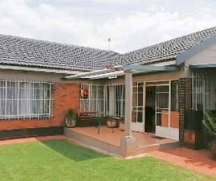 R 1,370,000 - 3 Bed House For Sale in Sunnyridge