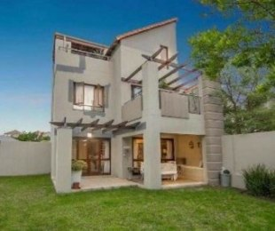 R 920,000 - 1 Bed Apartment For Sale in Witkoppen