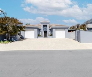 R 4,850,000 - 5 Bed Home For Sale in Van Riebeeckstrand