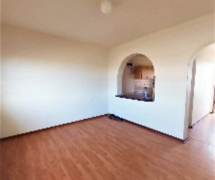 R 7,000 - 2 Bed Flat To Rent in Surrey Estate