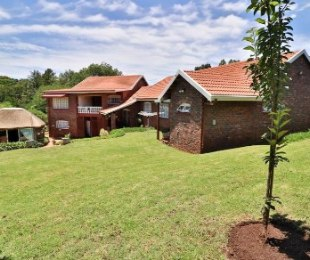 R 2,900,000 - 5 Bed Property For Sale in Hayfields