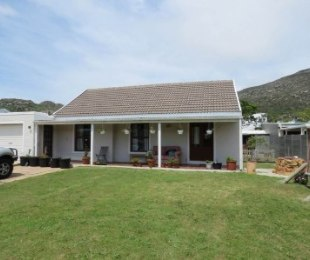 R 1,850,000 - 3 Bed House For Sale in Capri Village