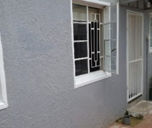 R 3,500 - 1 Bed Apartment To Let in Bezuidenhout Valley