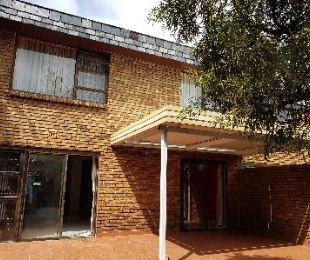 R 2,200,000 - 3 Bed Property For Sale in Bedfordview