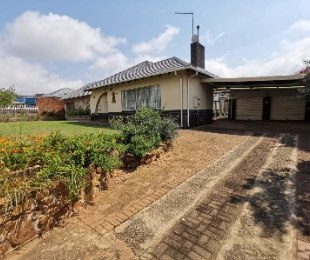R 1,500,000 - 4 Bed Property For Sale in Marlands