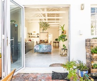 R 3,285,000 - 4 Bed Home For Sale in Muizenberg