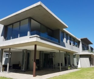 R 7,499,999 - 3 Bed House For Sale in Oriel