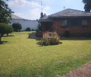 R 1,050,000 - 3 Bed House For Sale in Primrose East