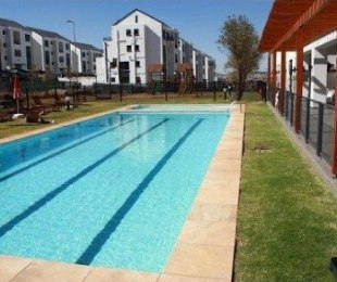 R 10,000 - 3 Bed Flat To Let in Greenstone Hill