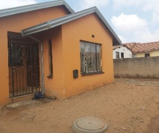 R 750,000 - 3 Bed Home For Sale in Tembisa