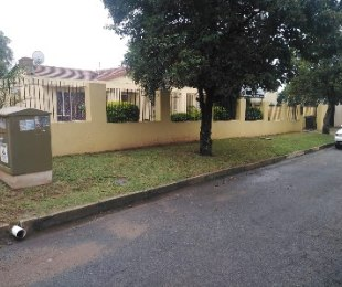 R 1,800,000 - 3 Bed House For Sale in Edleen
