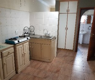 R 4,000 - 1 Bed Flat To Rent in Kensington