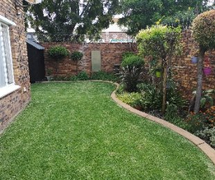 R 850,000 - 2 Bed Property For Sale in New Redruth