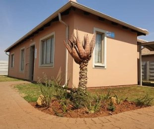 R 685,270 - 3 Bed House For Sale in Palm Ridge