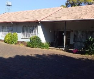 R 1,499,990 - 3 Bed House For Sale in Florida