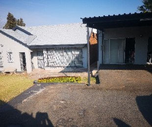 R 1,350,000 - 3 Bed Home For Sale in Woodmere