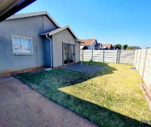 R 895,000 - 2 Bed Home For Sale in Kempton Park West