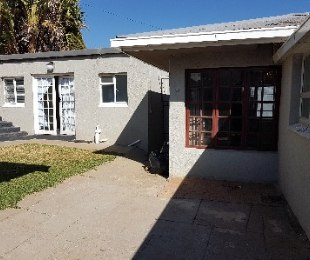 R 2,000,000 - 3 Bed Home For Sale in Kensington