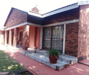 R 1,300,000 - 4 Bed House For Sale in The Orchards